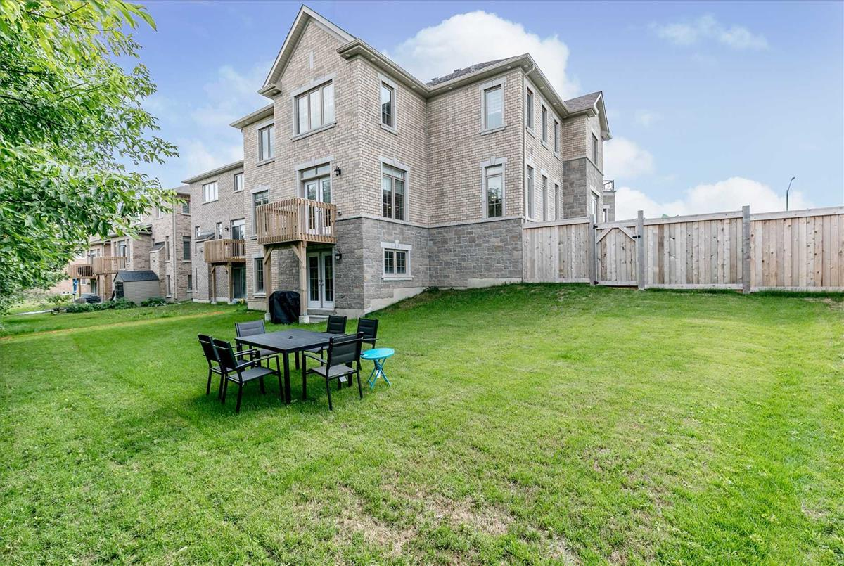 7 Barrow Ave Bradford West Gwillimbury Steve Moran